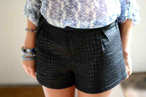 Blouse, short, talons: My Favorite combo! 6