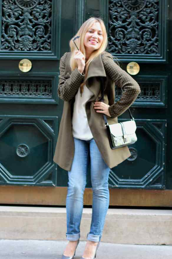 Un jeans, des escarpins un manteau Kaki et le tour est joué! 2