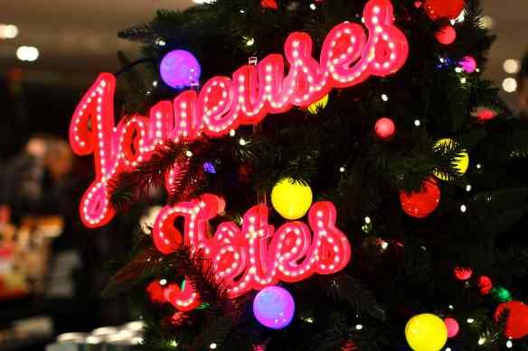 Ambiance de Noël dans les Grands Magasins de Paris 3