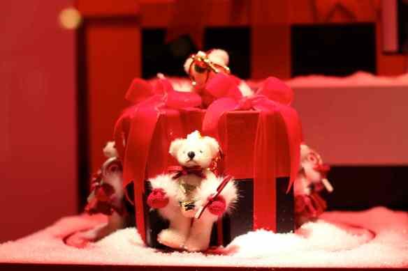 Ambiance de Noël dans les Grands Magasins de Paris 20