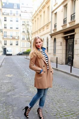 http://jennyontheblogmode.com/2014/03/28/un-look-decontracte-tout-en-jeans-et-rayures-pour-finir-la-semaine/