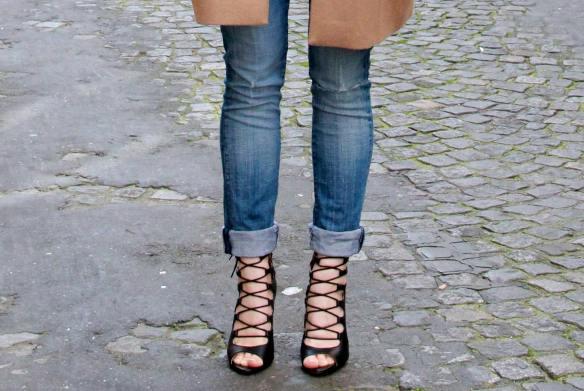 Un look décontracté tout en Jeans et Rayures pour finir la semaine 8