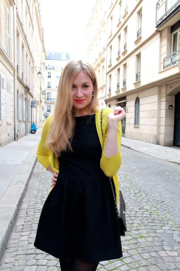 Une petite robe noire et une touche de citron 5